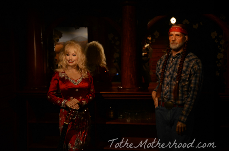 Dolly Parton and Willie Nelson Hollywood Wax Museum