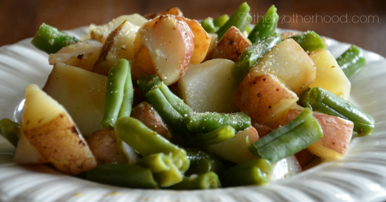 Green Giant Roasted Red Potatoes Green Beans Rosemary Butter Sauce with Sprinkle of Garlic