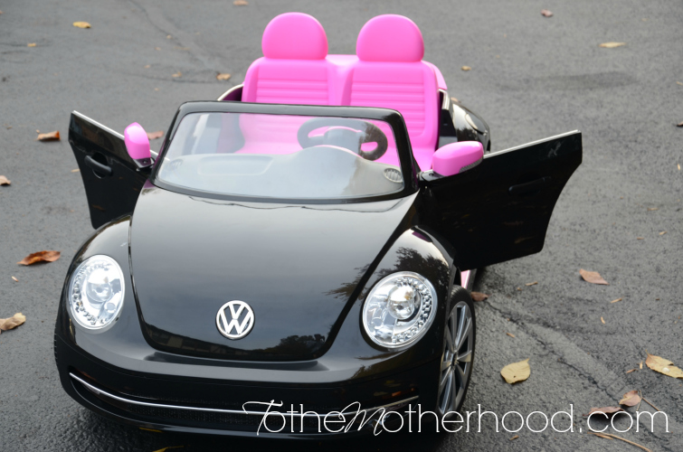 DSC 3152 Kid Trax VW Beetle Convertible 12 Volt Battery Powered Ride On