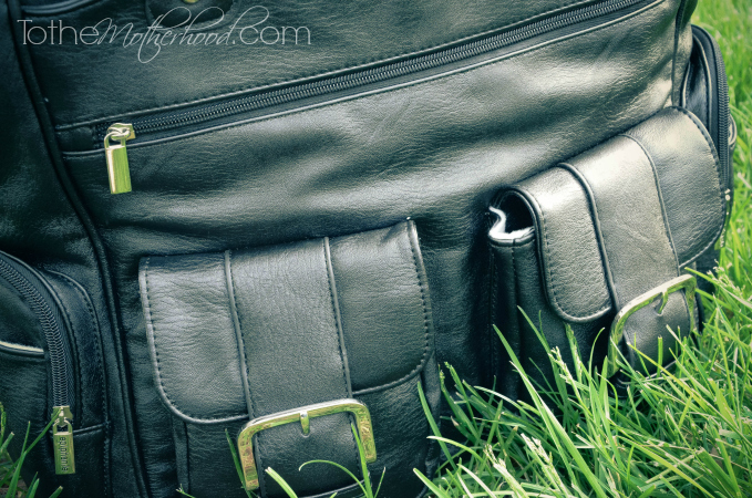 Front Pockets of Epiphanie Madison Camera Bag