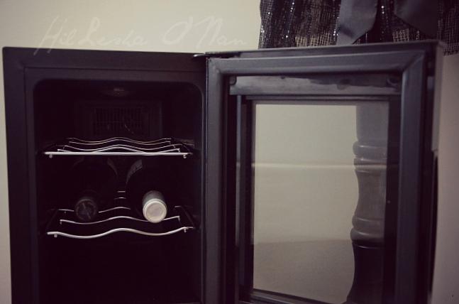 12-Bottle Capacity Dual Zone Haier Wine Cellar
