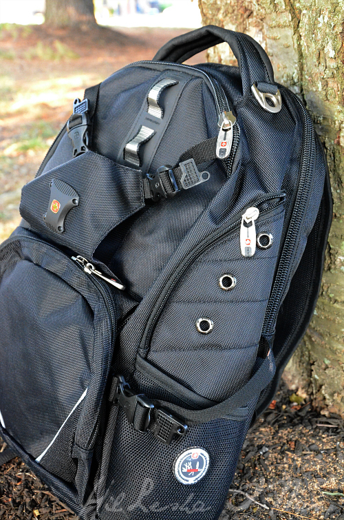Sideview of the SwissGear Backpack