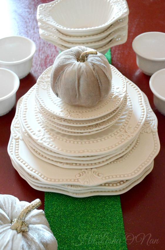 American Atelier Baroque 20 Piece Dinnerware Set