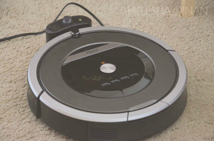 iRobot Roomba 870 on Charger