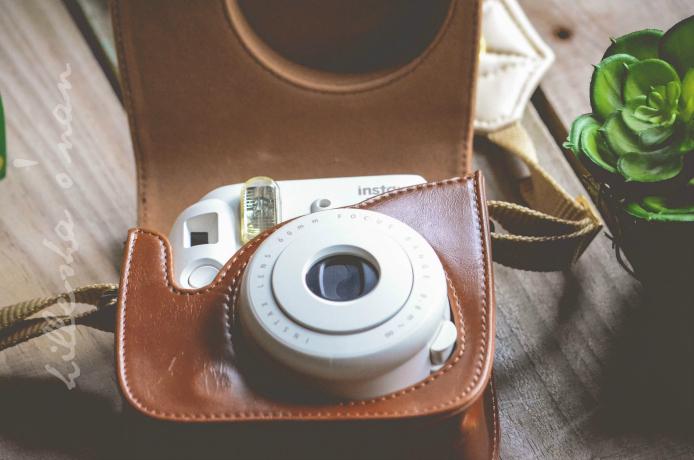 Fujifilm Instax Mini 8 Instant Film Camera in White