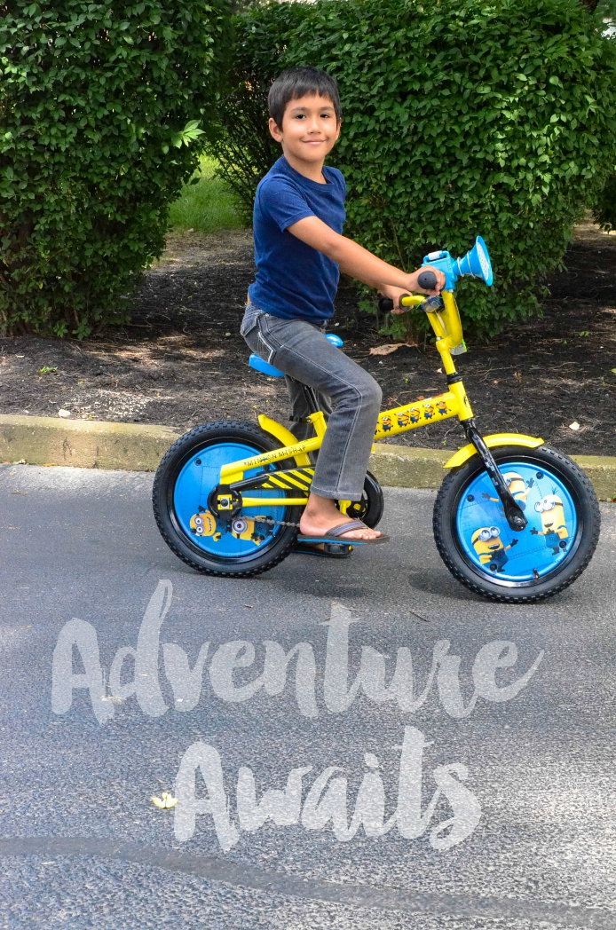 Boys' 16inch Minion Mishap Bike with Sound Feature