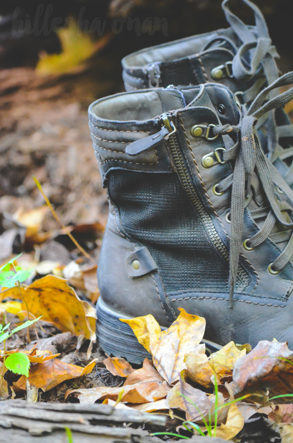 earth-brands-summit-hiking-inspired-boots