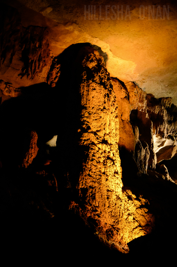 beautiful-rock-formations-at-fantastic-caverns