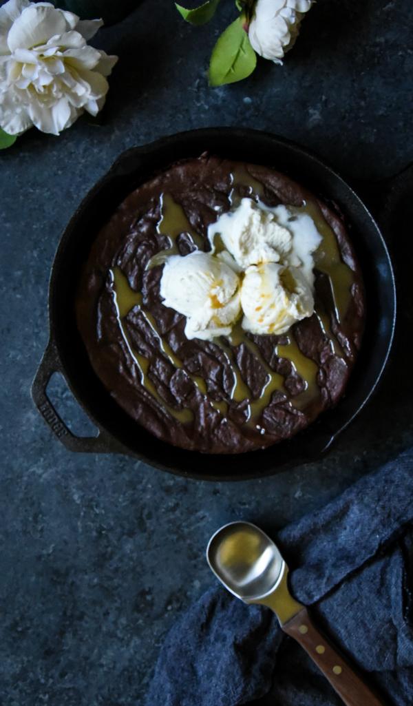Healthy Salted Caramel Skillet Brownies