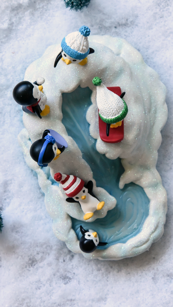 Precious Moments Winter Wonderland Resin Music Box Review