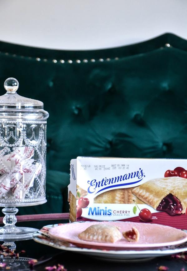 Entenmann's Minis Cherry Snack Pies Review